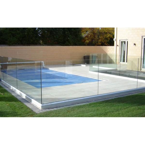 Balaustre in vetro ideali per ringhiere e recinzioni di piscine o attici - Recinzioni per piscine ...
